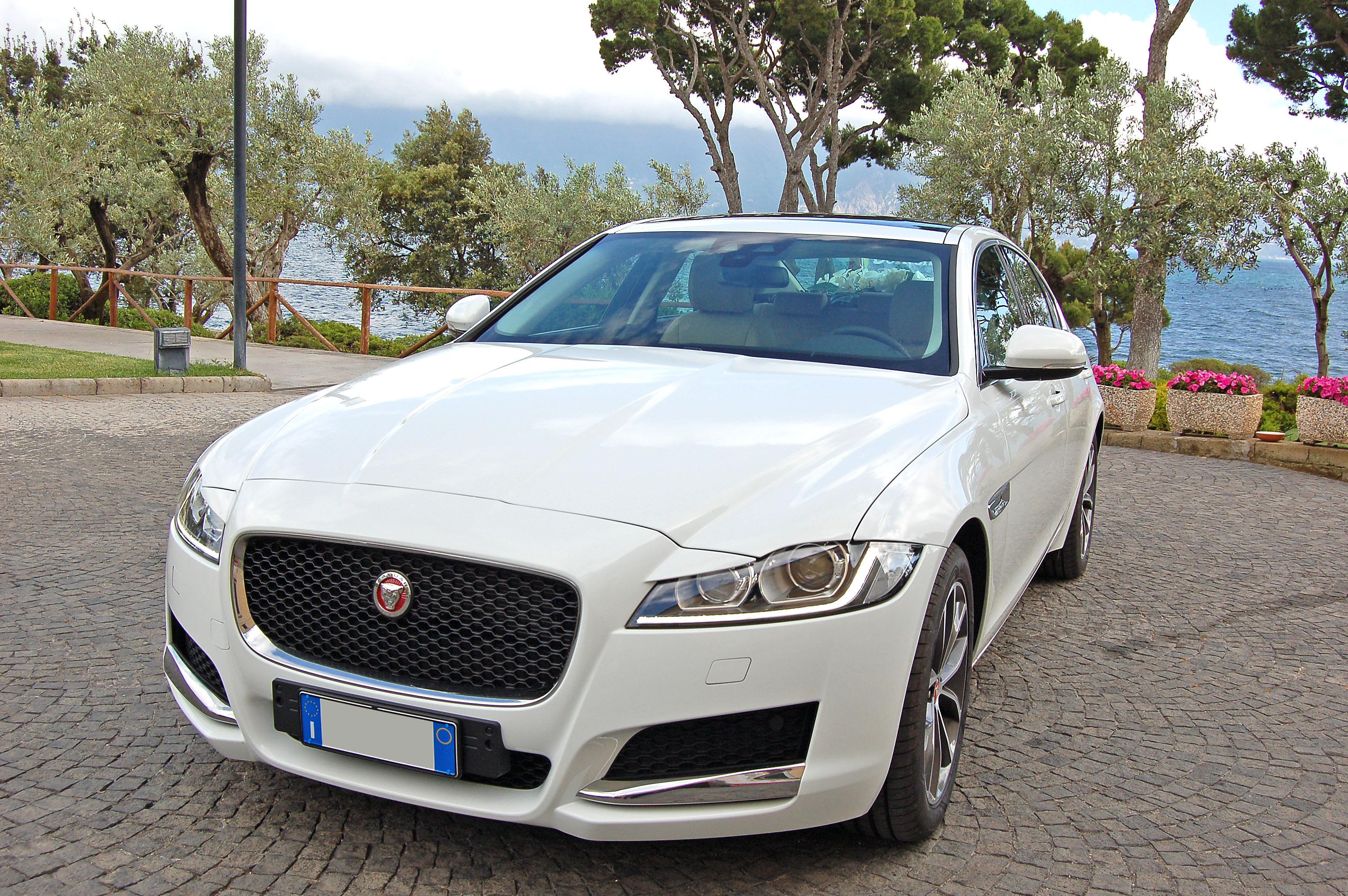 jaguar-xj-bianca