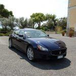 auto-sposi-Napoli_Maserati-Q4-blu_auto-per-cerimonie
