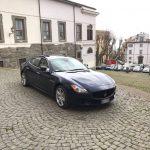 auto-sposi-Napoli_sposi-in-chiesa_auto-per-cerimonie
