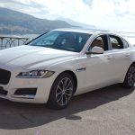 auto-sposi-Napoli_Jaguar-XF-bianca_noleggio-auto-cerimonie
