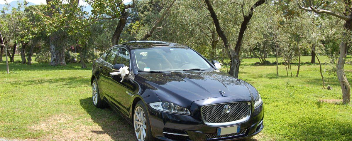 auto-sposi-Napoli_New-Jaguar-XJ_auto-cerimonie-Napoli