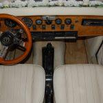 auto-sposi-Napoli_interni-chiari-excalibur_auto-per-cerimonie-Napoli