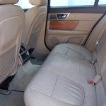 auto-sposi-Napoli_interni-Jaguar-Blu_auto-per-cerimonie-Campania