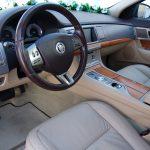 auto-sposi-Napoli_Jaguar-blu-interni_noleggio-auto-sposi-Napoli