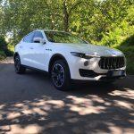 auto-sposi-Napoli_New-Maserati_auto-per-cerimonie-Napoli