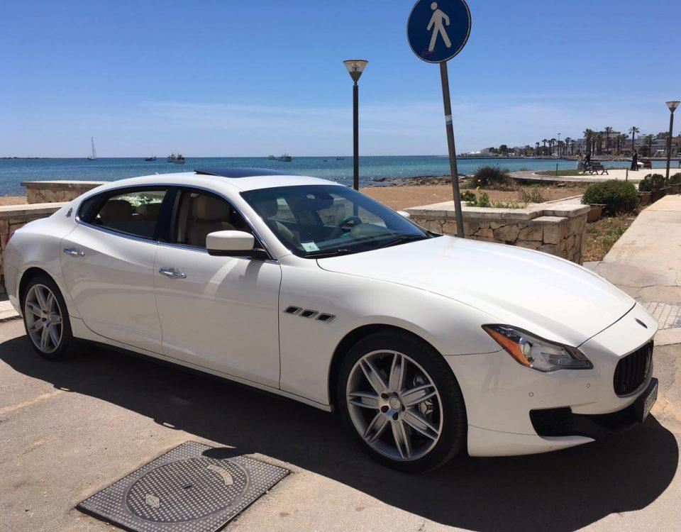 auto-sposi-Napoli_vettura-bianca_auto-sposi-Napoli-prezzi
