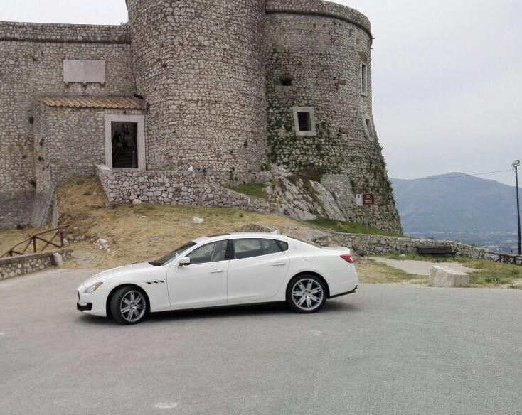 auto-sposi-Napoli_auto-bianca-Maserati_auto-per-matrimonio-Napoli