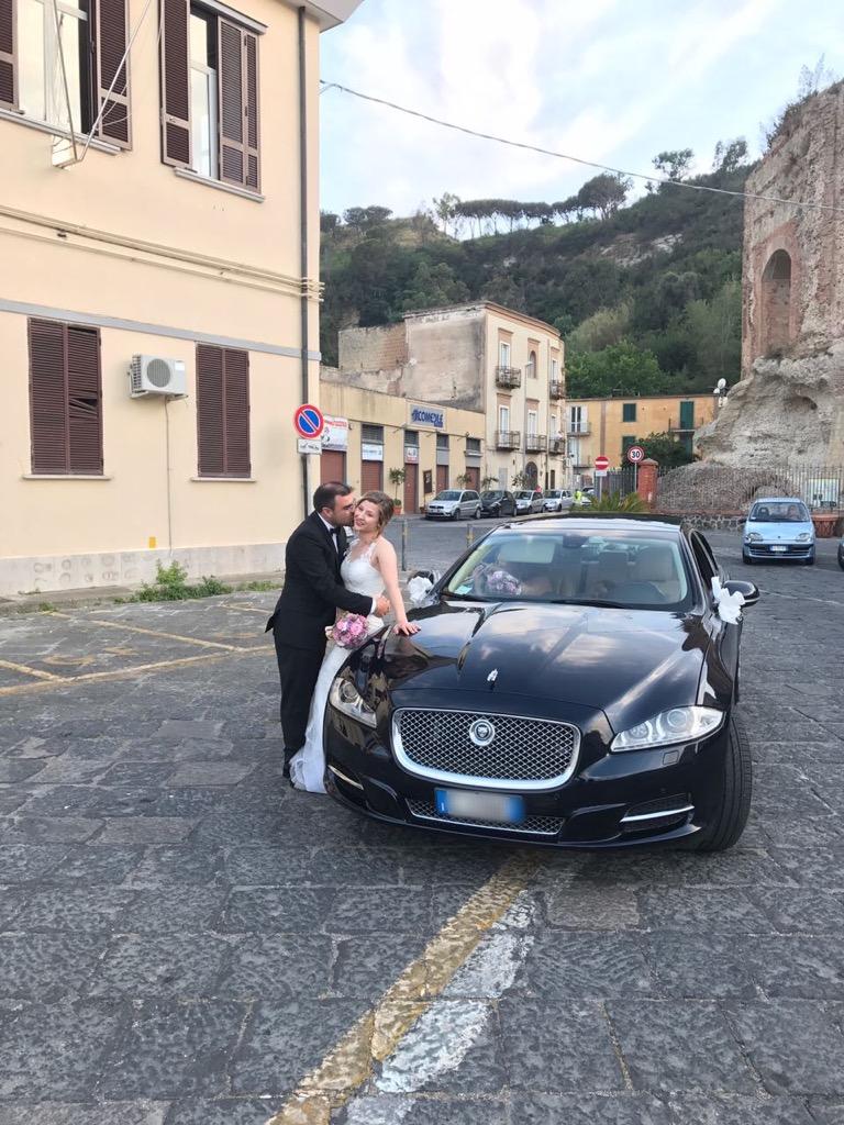auto-sposi-Napoli_sposi-Giugno_auto-matrimonio-Napoli
