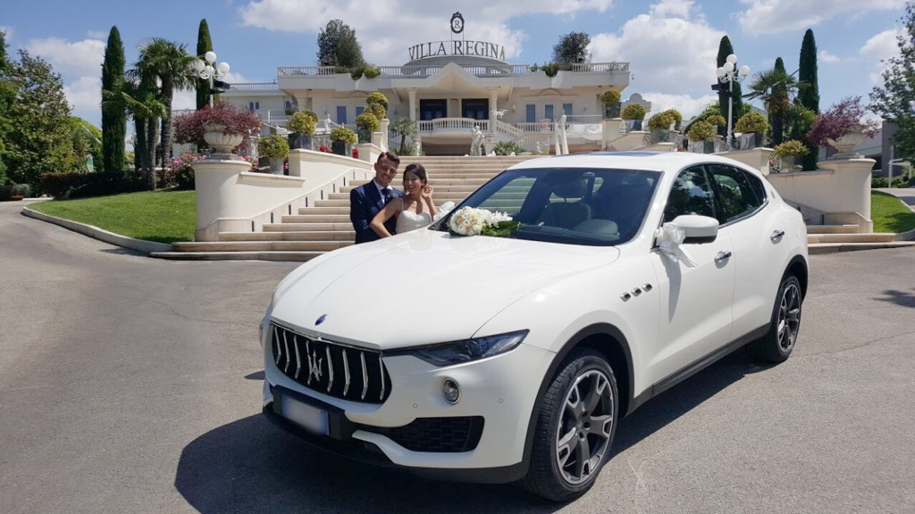 auto-sposi-Napoli_New-Maserati-Levante_auto-matrimonio-Napoli