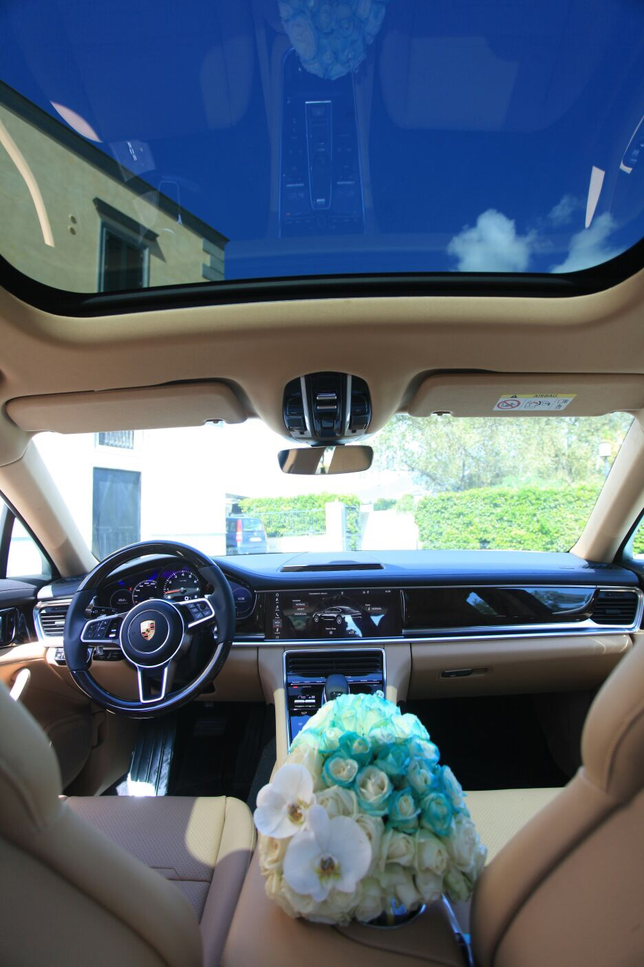 auto sposi Napoli | interni new Porsche | auto nozze