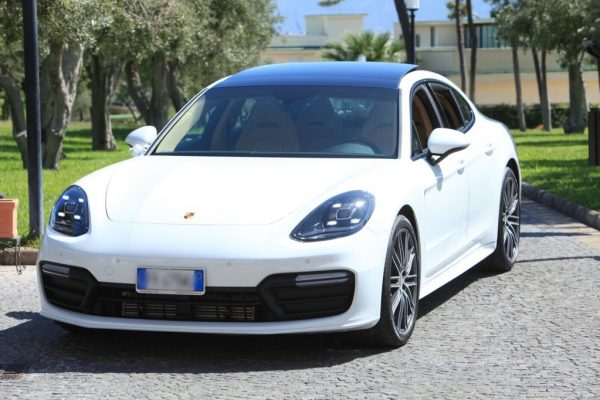 auto sposi Napoli | New Porsche | auto per cerimonie Napoli