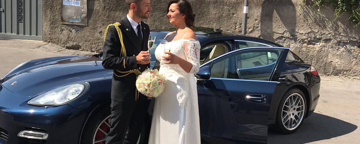 auto-sposi-Napoli_Porsche-blu_auto matrimoni