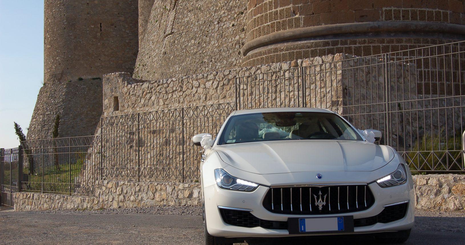 noleggio auto matrimonio Napoli | Maserati Gran lusso bianca | auto sposi Napoli
