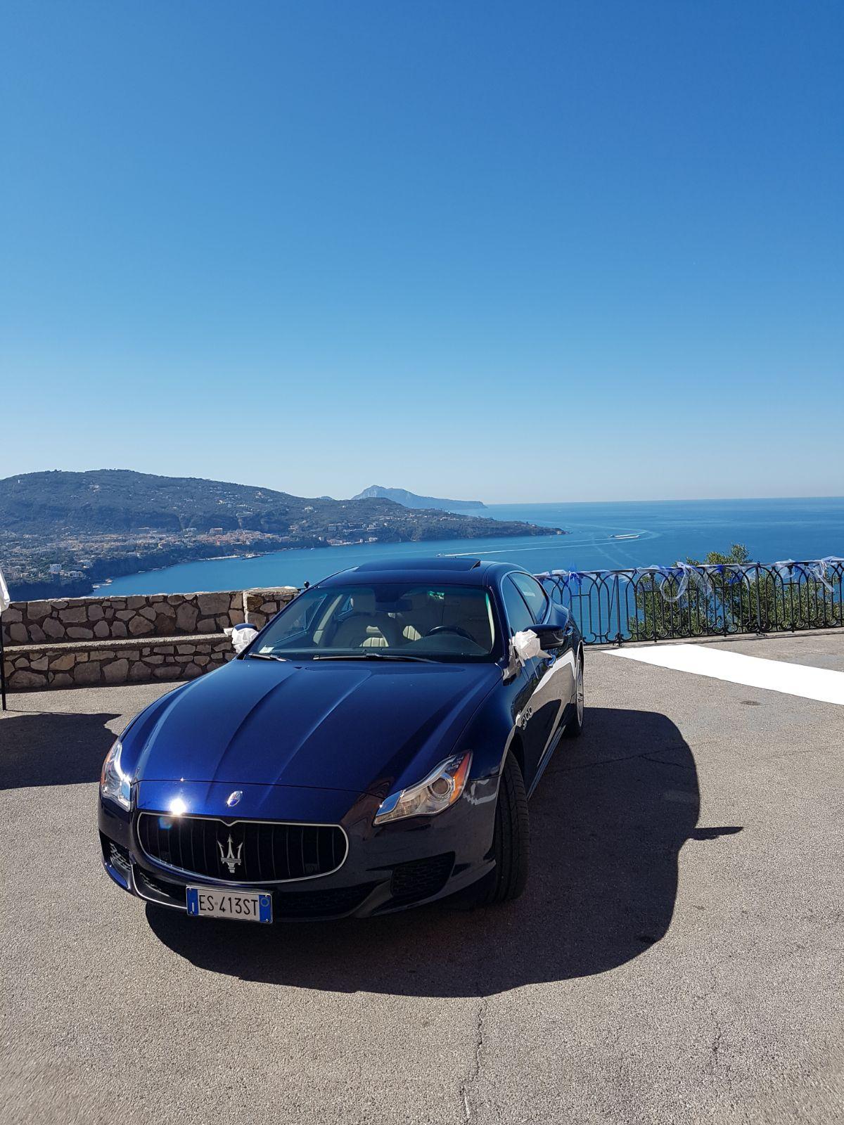 noleggio per cerimonie Napoli | Q4 blu | auto sposi Napoli