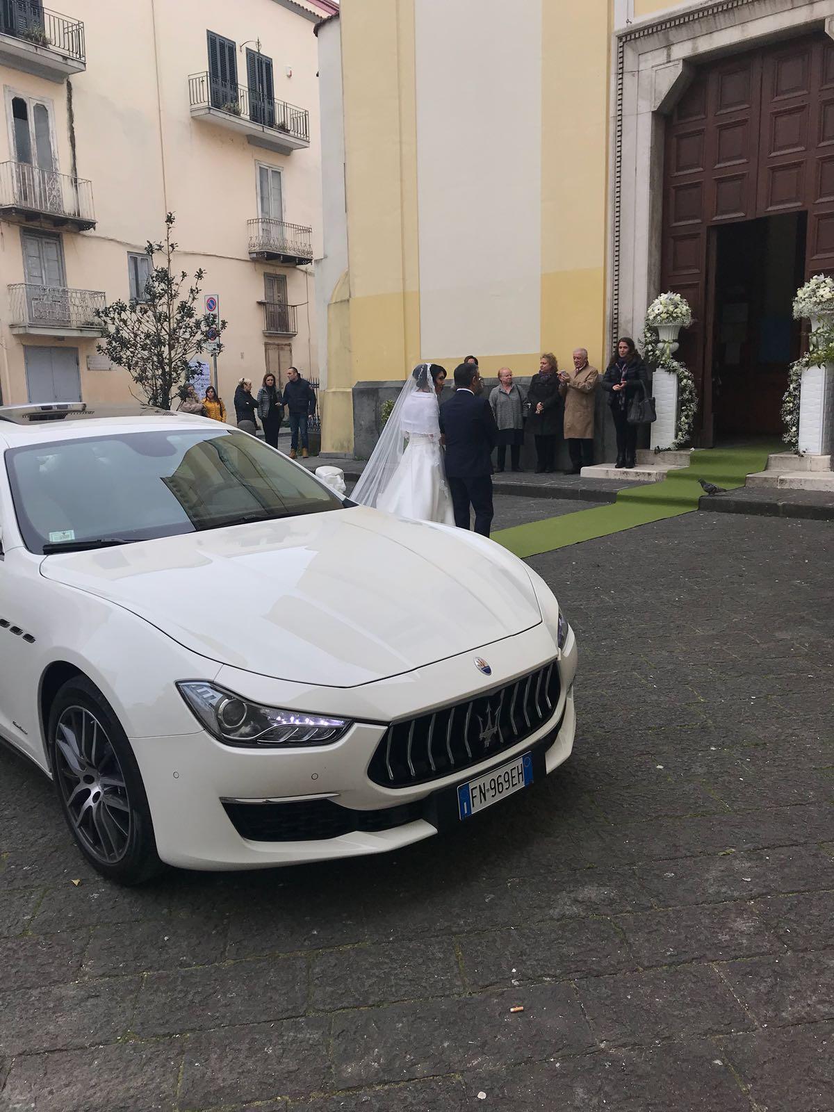 La nuova Maserati Ghibli Bianca. Auto di grande lusso e di grande eleganza