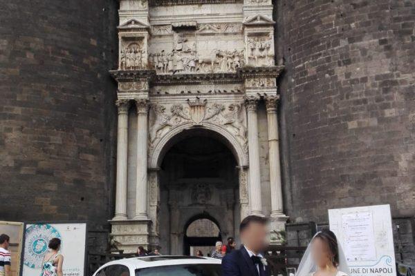 In questa foto abbiamo immortalato un bellissimo momento: il Brindisi. Il momento in cui gli sposi festeggiano il loro si con spensieratezza e tranquillità
