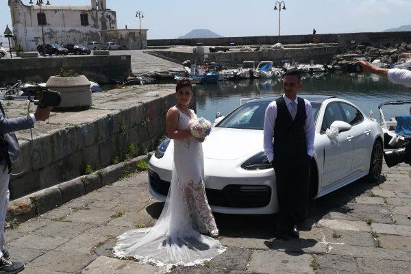 Questa foto rappresenta il matrimonio svolto oggi con la nuova Porsche Panamera. Insieme alla nostra vettura anche due meravigliosi sposi che ci hanno scelto più di un anno fa.